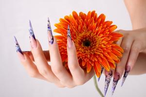 Common Nail Problems and How to Achieve Healthy Nails